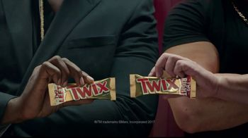 Twix TV Spot, 'It's Time to DeSide: Bouncer' - Thumbnail 8