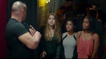 Twix TV Spot, 'It's Time to DeSide: Bouncer' - Thumbnail 7