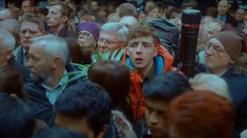 Axe Gold TV Spot, 'Hora pico' [Spanish]
