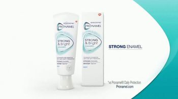 Sensodyne Pronamel Strong & Bright TV Spot, 'Strong Enamel, Whiter Teeth' - Thumbnail 9