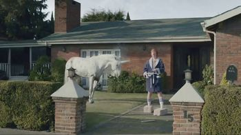 Ice Breakers Ice Cubes Pocket Pack TV Spot, 'Cement Shoes'