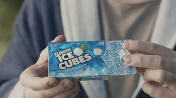 Ice Breakers Ice Cubes Pocket Pack TV Spot, 'To the Shoe Store'