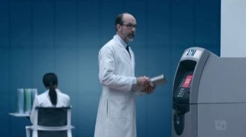 Fifth Third Bank TV Spot, 'Fee Sharks' - Thumbnail 6