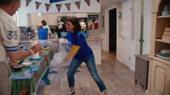 Procter & Gamble TV Spot, 'Party On, Mom' - Thumbnail 4