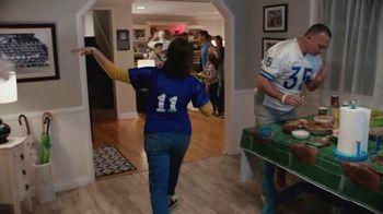 Procter & Gamble TV Spot, 'Party On, Mom' - Thumbnail 5