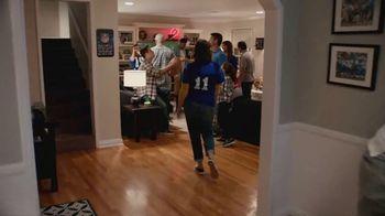 Procter & Gamble TV Spot, 'Party On, Mom' - Thumbnail 6