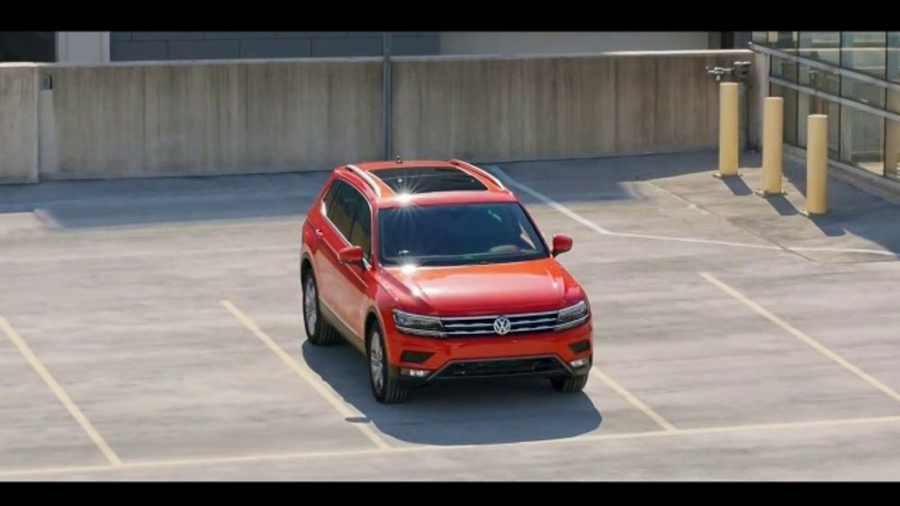 Volkswagen Rule the Road Scavenger Hunt TV Commercial, 'The New King' [T1] - iSpot.tv
