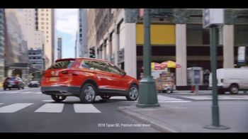 Volkswagen Rule the Road Scavenger Hunt TV Spot, 'The New King' [T1] - Thumbnail 5