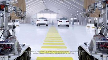 Kia Fall Savings Time TV Spot, 'Robot-Tested Smart Trunk Technology' - Thumbnail 1