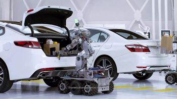 Kia Fall Savings Time TV Spot, 'Robot-Tested Smart Trunk Technology' - Thumbnail 4