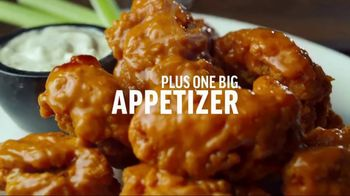 Applebee's 2 for $20 TV Spot, 'Hungry Eyes' Song by Eric Carmen - Thumbnail 5