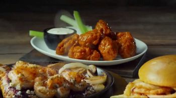 Applebee's 2 for $20 TV Spot, 'Hungry Eyes' Song by Eric Carmen - Thumbnail 7