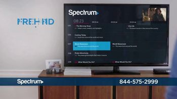 Spectrum TV, Internet and Voice TV Spot, 'What Happens on Maple Street' - Thumbnail 4