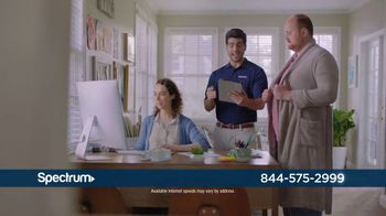 Spectrum TV, Internet and Voice TV Spot, 'What Happens on Maple Street' - Thumbnail 5