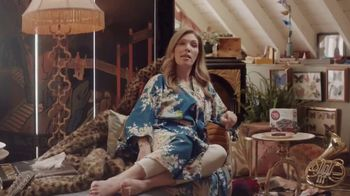 Fiber One 90-Calorie Chocolate Fudge Brownie TV Spot, 'She Shed: Welcome' - Thumbnail 6