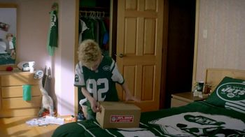 NFL Shop TV Spot, 'Odell's Secret Fan' - Thumbnail 6