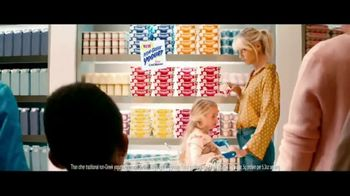Chobani Smooth TV Spot, 'Supermarket' - Thumbnail 9