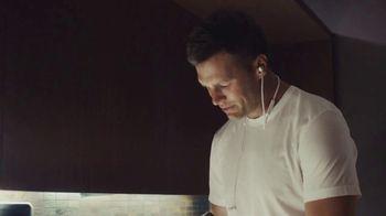 BeatsX TV Spot, 'Built for Bosses' Feat. Tom Brady, Song by Kendrick Lamar - Thumbnail 7