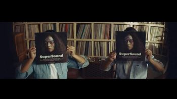 Citi Double Cash Card TV Spot, 'Twins' Song by Spencer Wiggins - Thumbnail 3