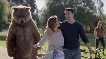 Spiriva TV Spot, 'Bear Hug' - Thumbnail 7