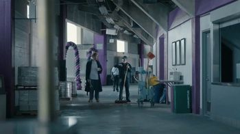 Courtyard Marriott Sleepover Contest TV Spot, 'Wake Up at Super Bowl LII' - Thumbnail 3