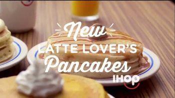 IHOP Latte Lover's Pancakes TV Spot, 'Disfrute de la calidez' [Spanish]