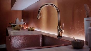 Delta Faucet Touch2O Technology TV Spot, 'The Perfect Touch' - Thumbnail 2