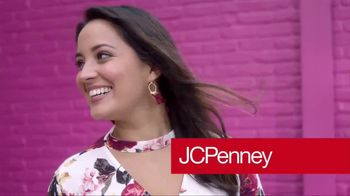 JCPenney TV Spot, 'Fall Is Here' Song by Bruno Mars - Thumbnail 2