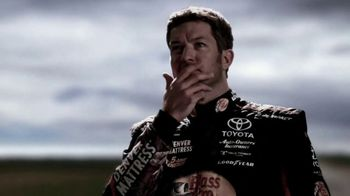NASCAR.com TV Spot, 'Playoff Updates and News' - Thumbnail 4