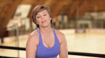 Crepe Erase TV Spot, 'Figure Skating' Featuring Dorothy Hamill - Thumbnail 3