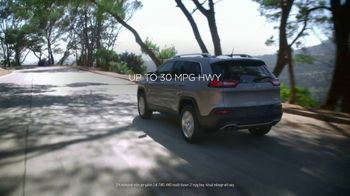 Jeep Cherokee Limited TV Spot, 'Further: UConnect' [T2] - Thumbnail 5