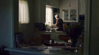JPMorgan Chase TV Spot, 'The Extra Mile: Financial Strategy' - Thumbnail 4