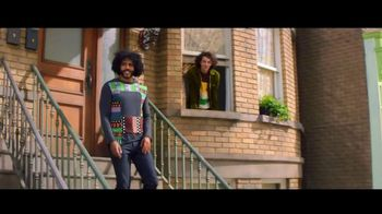 Zelle TV Spot, 'How Money Moves: Around Town' Featuring Daveed Diggs - Thumbnail 3