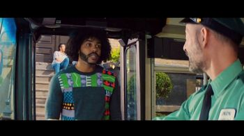 Zelle TV Spot, 'How Money Moves: Around Town' Featuring Daveed Diggs - Thumbnail 5