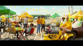 Zelle TV Spot, 'How Money Moves: Tailgating' Featuring Daveed Diggs - Thumbnail 6