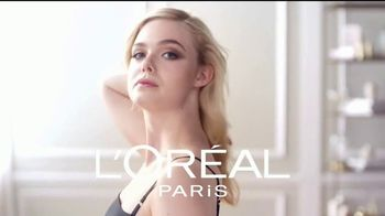 L'Oreal Paris Lumi Glotion TV Spot, 'Luminosa' con Elle Fanning [Spanish] - Thumbnail 1
