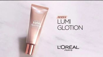 L'Oreal Paris Lumi Glotion TV Spot, 'Luminosa' con Elle Fanning [Spanish] - Thumbnail 3