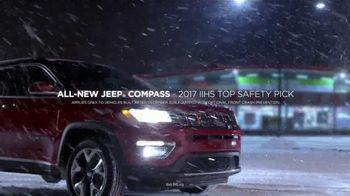Jeep TV Spot, 'Photobomb: Full Line' Song by Imagine Dragons [T1] - Thumbnail 5