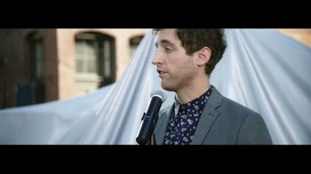 Verizon TV Spot, 'Awards' Featuring Thomas Middleditch - Thumbnail 2