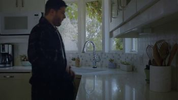 Google Home Mini TV Spot, 'Smart Home' - Thumbnail 4