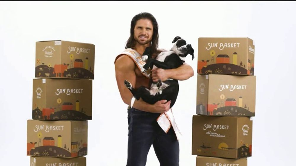 Sun Basket TV Commercial, 'Guy Holding a Dog'
