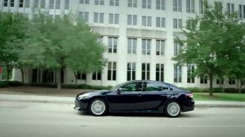 2018 Toyota Camry XLE V6 TV Spot, 'Charity for College Students' [T2] - Thumbnail 3