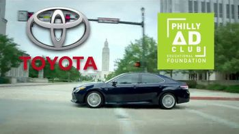 2018 Toyota Camry XLE V6 TV Spot, 'Charity for College Students' [T2] - Thumbnail 4