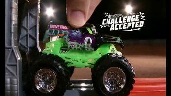 Hot Wheels Monster Jam El Toro Loco Showdown TV Spot, 'Take Down the Bull' - Thumbnail 4