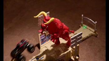 Hot Wheels Monster Jam El Toro Loco Showdown TV Spot, 'Take Down the Bull' - Thumbnail 6
