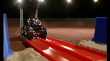 Hot Wheels Monster Jam El Toro Loco Showdown TV Spot, 'Take Down the Bull' - Thumbnail 7