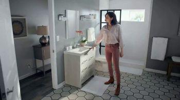The Home Depot TV Spot, 'Haz un gran cambio en tu baño' [Spanish] - Thumbnail 8