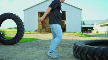 Land O'Lakes TV Spot, 'The Farm Bowl: Kyle Rudolph vs. a Tire' - Thumbnail 4