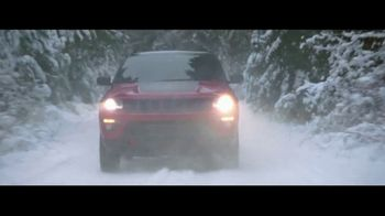 2018 Jeep Compass TV Spot, 'Snow' Song by Moon Taxi - Thumbnail 2