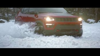 2018 Jeep Compass TV Spot, 'Snow' Song by Moon Taxi [T1] - Thumbnail 5
